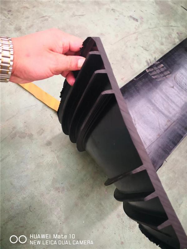 背贴式止水带
